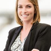 Julie Salinas, Ostéopathe spécialisée femme enceinte à Aix-en-Provence